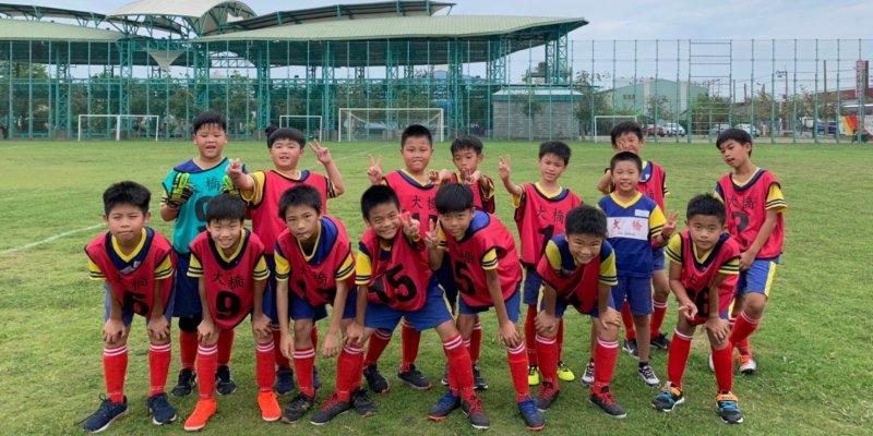 恭喜本校足球隊參加110年中小學足球對抗賽榮獲第五名佳績。